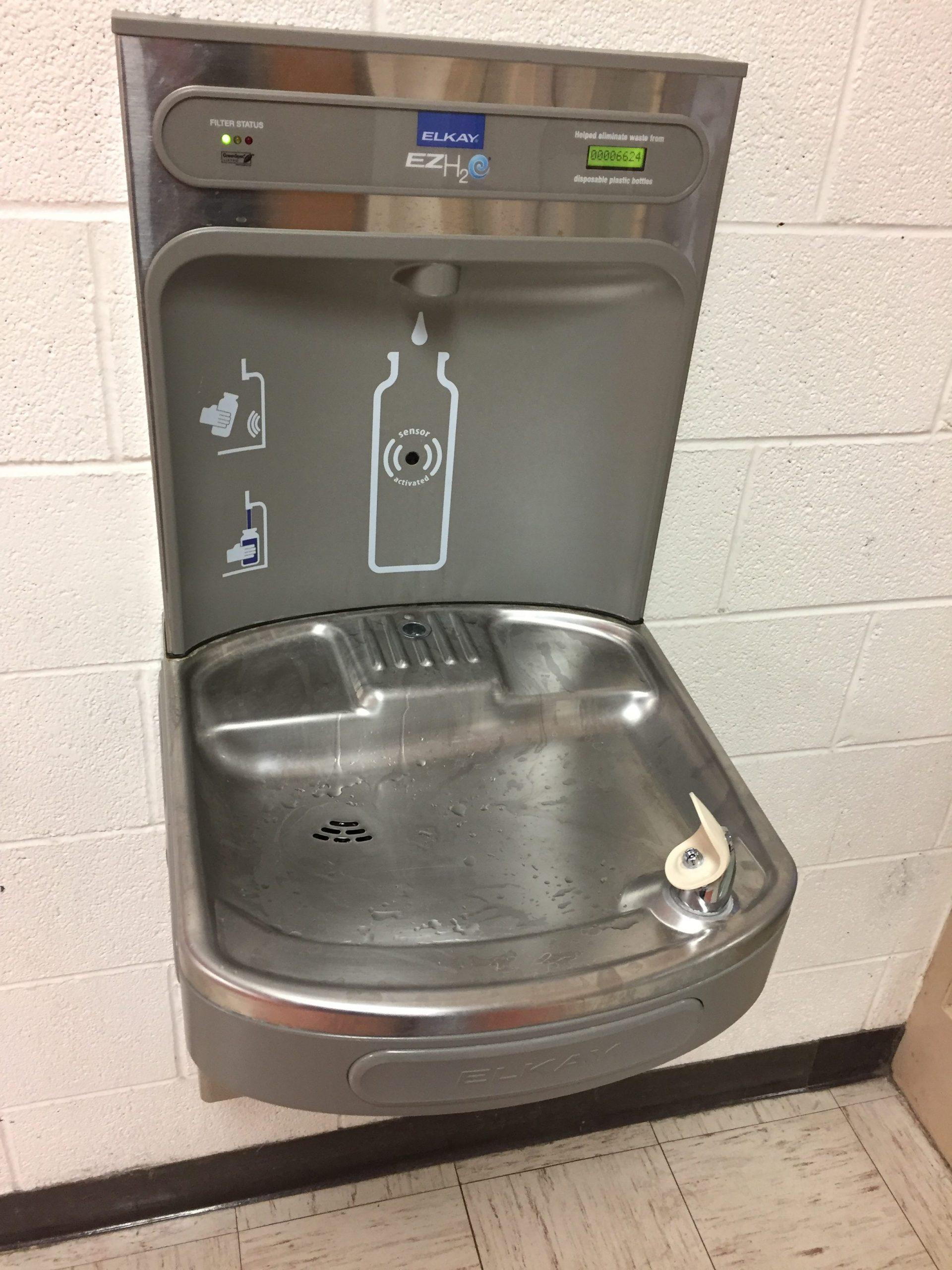 Wasserspender zur Wiederauffüllung von Flaschen