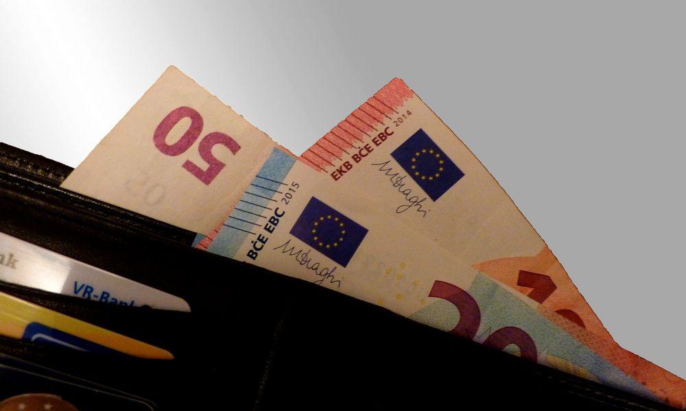 Geld in einem Portemonnaie