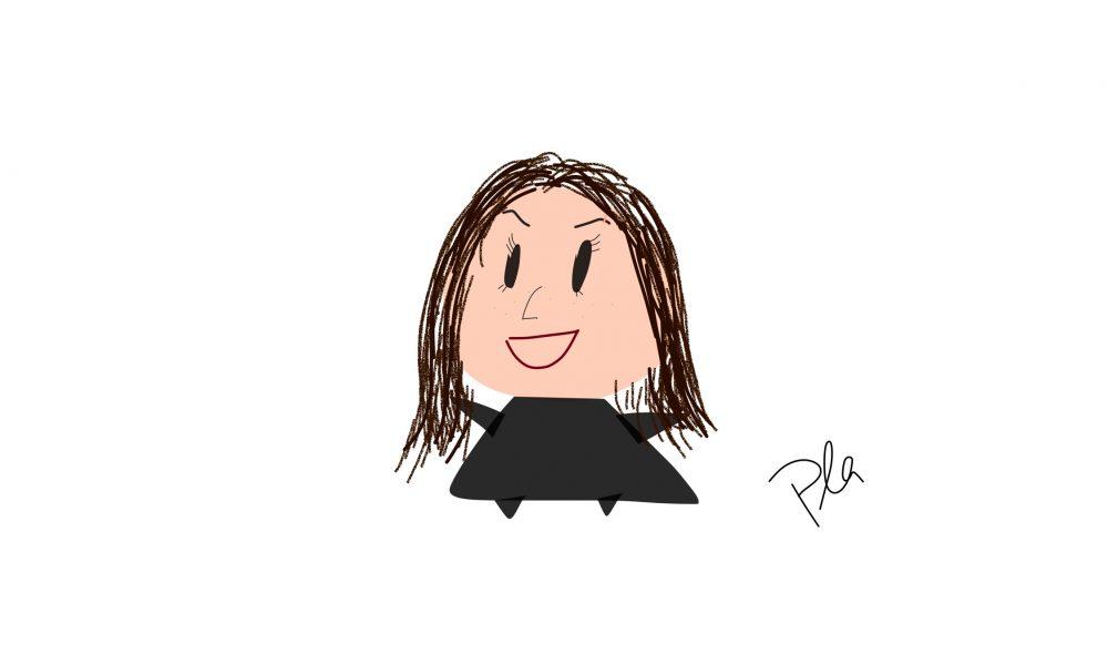 Person mit langen braunen Haaren mit schwarzer Kleidung vor einem weißen Hintergrund
